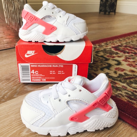100% authentic 3a466 87f5f baby girl's nike huaraches • size 4 • white/pink